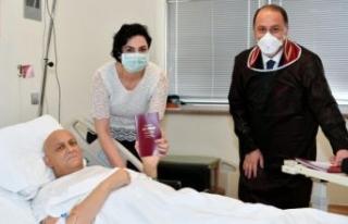 Tedavi gördüğü hastanede evlenen Yavuz Uygur'dan...