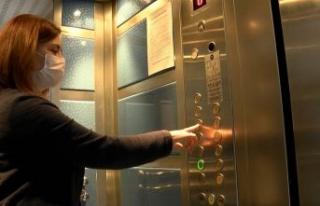 'Asansörler ve apartman kapıları virüsün...