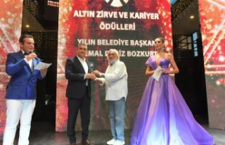 ESENYURT BELEDİYE BAŞKANI KEMAL DENİZ BOZKURT,...