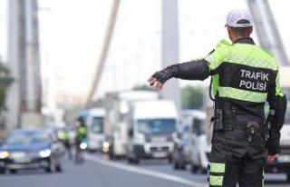 15 Temmuz Şehitler Köprüsü geçici olarak trafiğe...