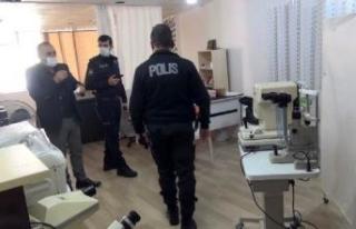 Esenyurt'ta kaçak göz muayenehanesi mühürlendi