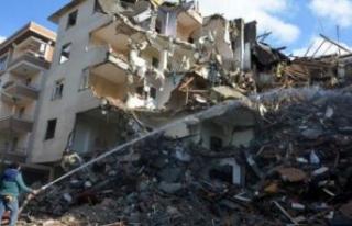Avcılar'da balkonları çöken bina 44 gün...
