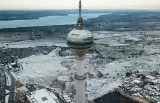 İstanbul'daki doyumsuz kar manzarası havadan...