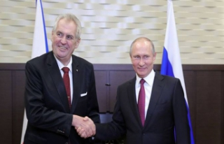 Çekya Cumhurbaşkanı'ndan Putin'e aşı...
