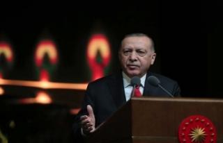 Cumhurbaşkanı Erdoğan: Dilini kaybeden millet hafızasını,...