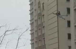 Esenyurt'ta 6. kattan atlayan adam öldü; Düşme...