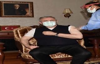 Mansur Yavaş da aşı yaptırdı