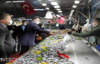 CHP Başakşehir semt pazarının nabzını yoklamak...