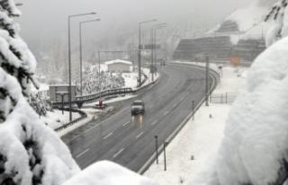 Bolu Dağı'nda kar kalınlığı 35 santimetreye...
