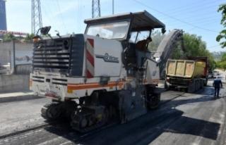 Avcılar Belediyesi, asfalt serim çalışmalarına...