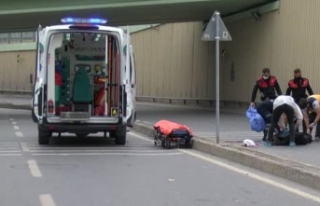 AVCILAR'DA FECİ KAZA; MOTOSİKLETTEKİ 19 VE...