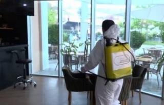 Esenyurt'ta toplu kullanım alanları dezenfekte...