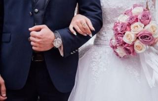 Gelin düğünde kalp krizi geçirince damat bakın...