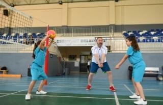 Esenyurtlu çocuklar hem spor yapıyor hem de sosyalleşiyor