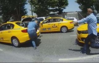 İstanbul'da taksicilerin sopalı kavgası: Birbirlerine...