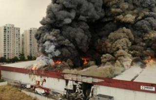 İstanbul Valiliği'nden Esenyurt'taki yangına...