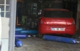 Esenyurt'ta patlama: Bir işçinin bacağı koptu