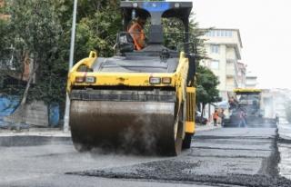Esenyurt asfaltlanıyor