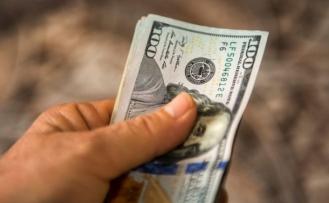 Dolar güne 9 liradan başladı