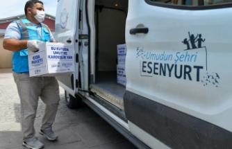 Esenyurt Belediyesi'nin gıda kolisi ve sıcak yemek dağıtımları devam ediyor