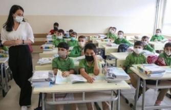 MEB'den koronavirüs temaslı öğrenciler hakkında karar