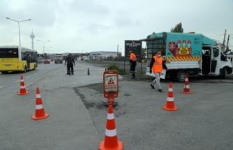 Çakmaklı Mahallesi'nde kaldırımları işgal eden araçlara bariyer engeli