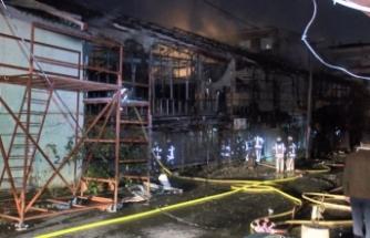 Küçükçekmece'de bin metrekarelik lokalde yangın: Kullanılamaz hale geldi