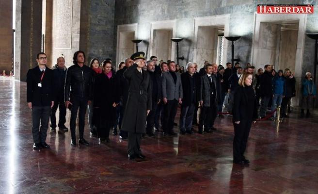 Büyükçekmeceli Muhtarlar Atatürk'ün huzurunda!