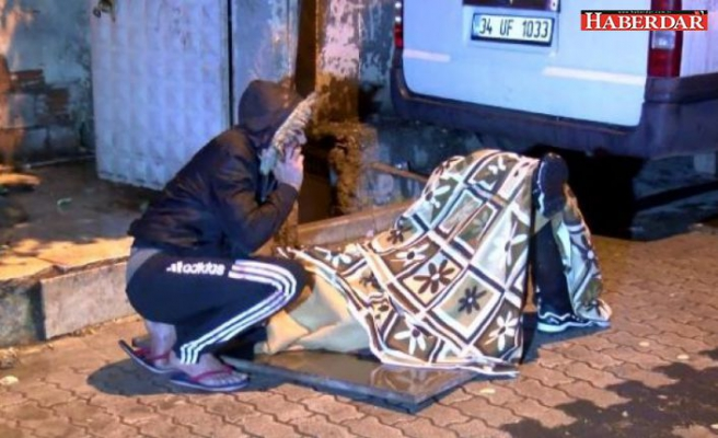 KÜÇÜKÇEKMECE'de yabancı uyruklu iki grup arasında çıkan kavgada 3 kişi bıçaklandı