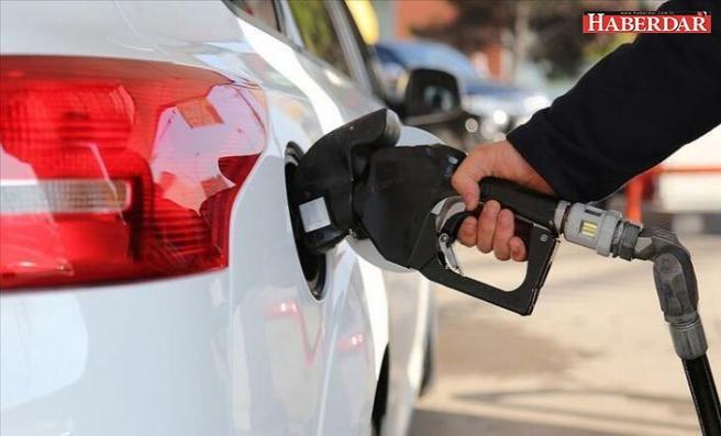 Benzin fiyatında dev beklenti! Bu gece yarısından itibaren...