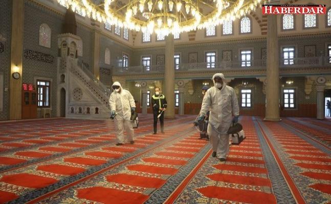 Cuma namazı öncesinde camiler dezenfekte edildi