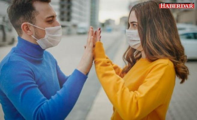 Koronavirüs uyarısı: Risk varsa 14 gün öpüşmeyin, sevişmeyin, seks yapmayın