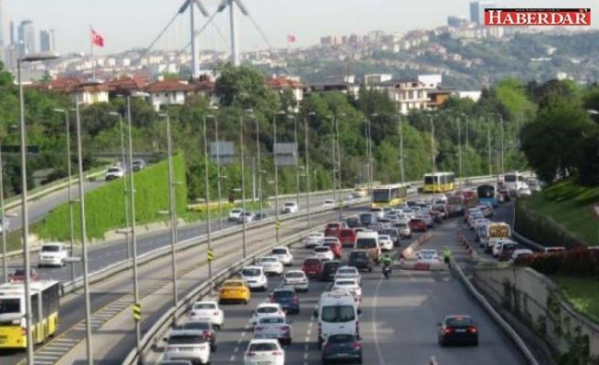İstanbul'da köprülerdeki trafik yoğunluğu bugün de yaşandı