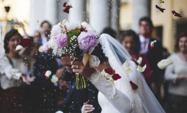 Çiftlerin düğün yarışı