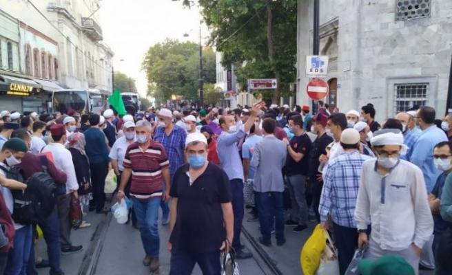 Ayasofya'da tarihi gün... Vatandaşlar akın akın geliyor