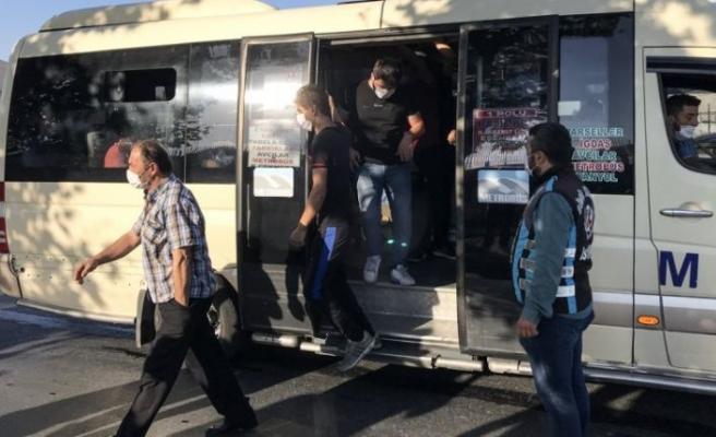 12 kişi olması gerekirken 33 yolcu çıkan minibüsün şoförü: 'Yolcular zorla bindi'