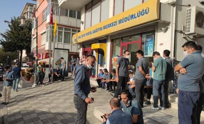 İstanbul'daki PTT merkezlerinde taşeron işçiler iş bıraktı!