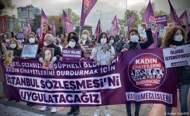 Kadınlar cinayetleri durdurmak için sokağa çıktı