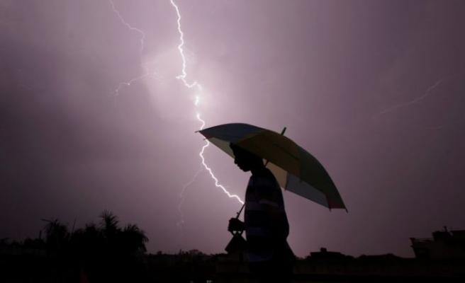 Meteoroloji'den kuvvetli yağış, rüzgar ve fırtına uyarısı