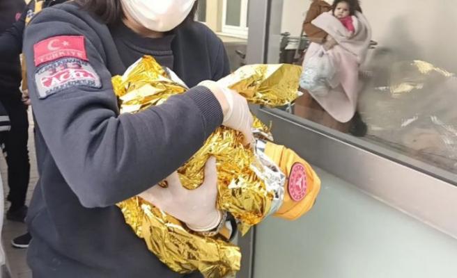 Esenyurt'ta  ayakkabı kutusu içinde yeni doğmuş bebek bulundu