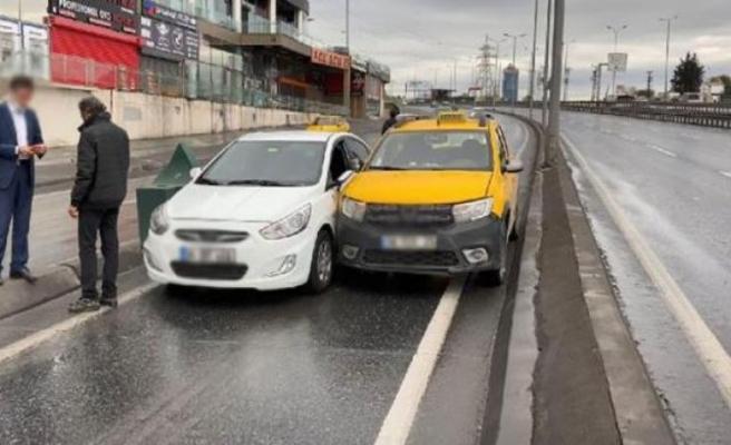 Esenyurt'ta boş yolu paylaşamayan sürücüler kaza yaptı