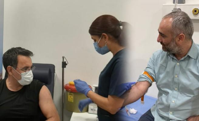 Koronavirüs aşısı olan Deniz Zeyrek ve İsmail Saymaz yaşadıkları süreci anlattı