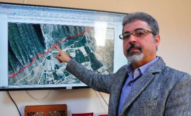 8 bin depreme neden olan fay hattının üzeri yerleşime kapandı