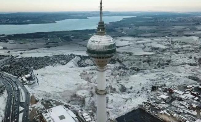 İstanbul'daki doyumsuz kar manzarası havadan görüntülendi