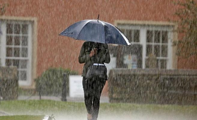 İstanbullular dikkat! Meteoroloji'den sağanak uyarısı