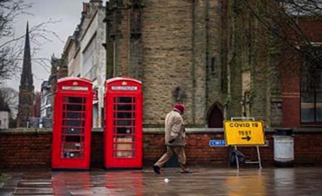 İngiltere'de koronavirüs bulaşma hızı geriliyor