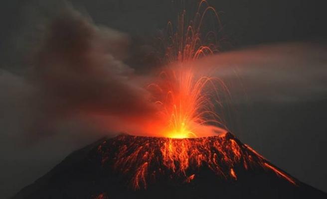 Dünyanın en büyük yanardağı 37 yıl sonra uyanıyor
