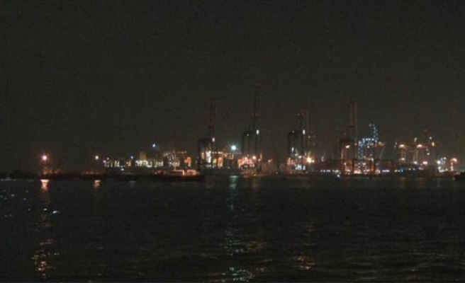 İstanbul'da sahil kesimlerinde hissedilen gaz kokusu paniğe neden oldu