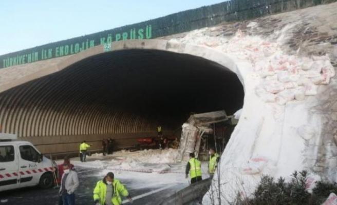 Kuzey Marmara Otoyolu'nda feci kaza: Edirne istikameti trafiğe kapatıldı