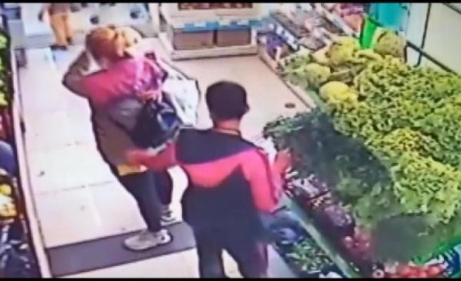 Esenyurt'ta alışveriş yapan kadının cebindeki telefonu böyle çaldı